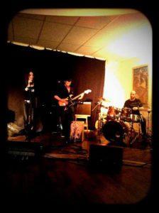 concert live en 2013 aux Studio Décanis